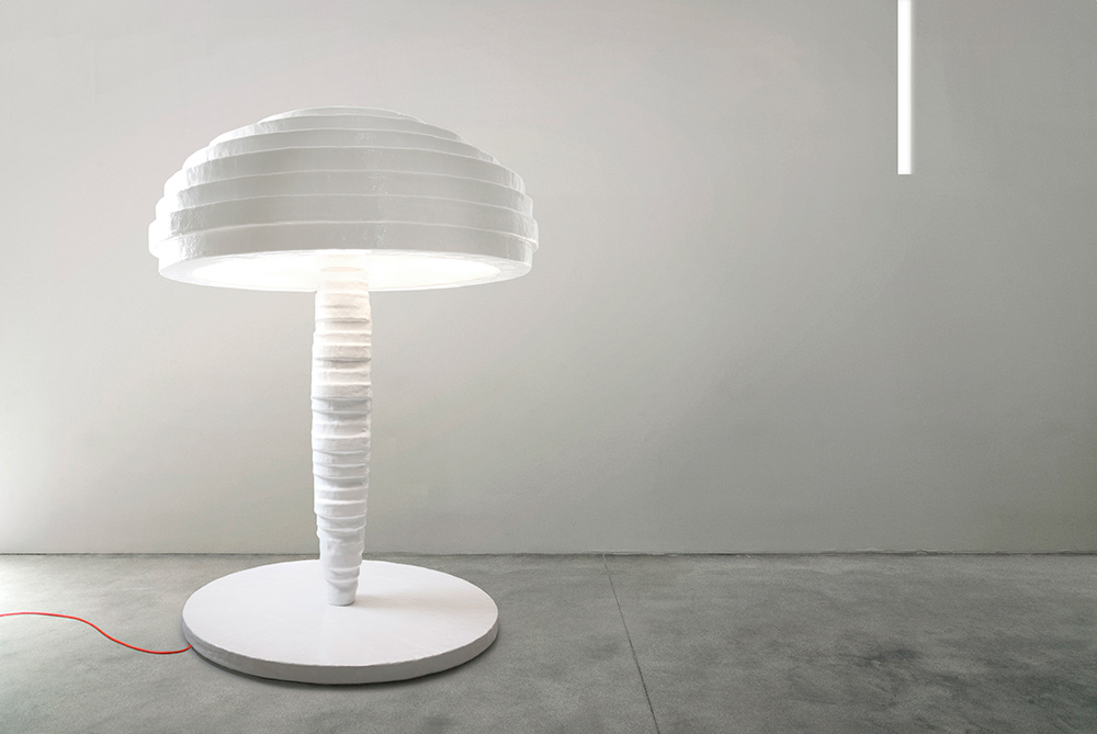 nucleo_primitive_floor-lamp_01_low