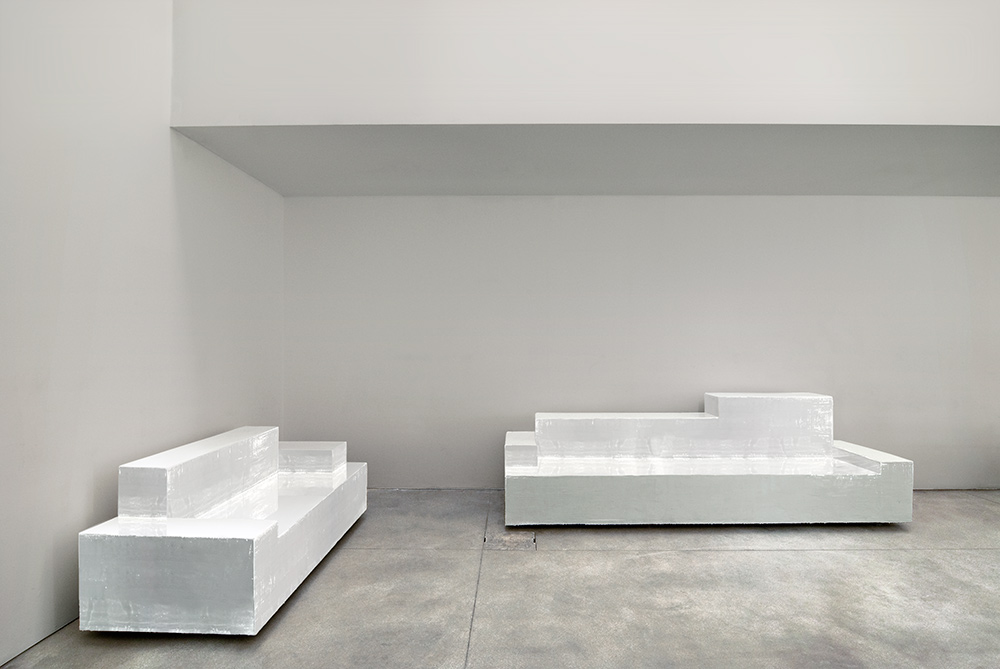 nucleo_primitive_sofa_02_low