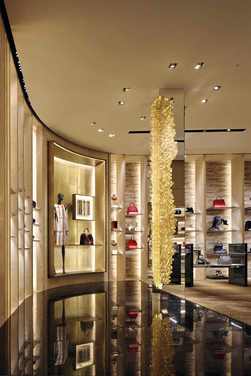 studio-nucleo_presenze-column_fendi-boutique-milan_1_low