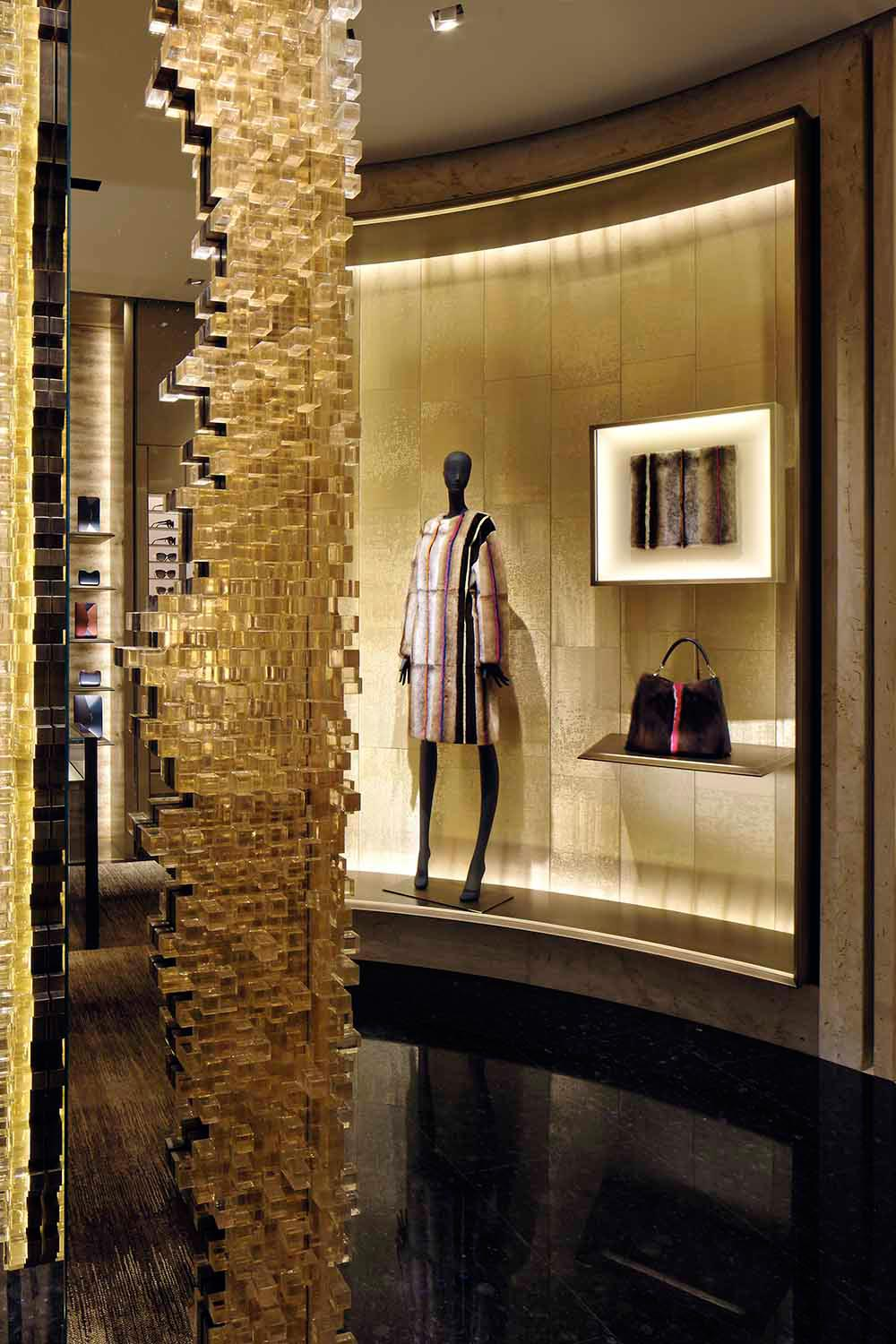 studio-nucleo_presenze-column_fendi-boutique-milan_3_low