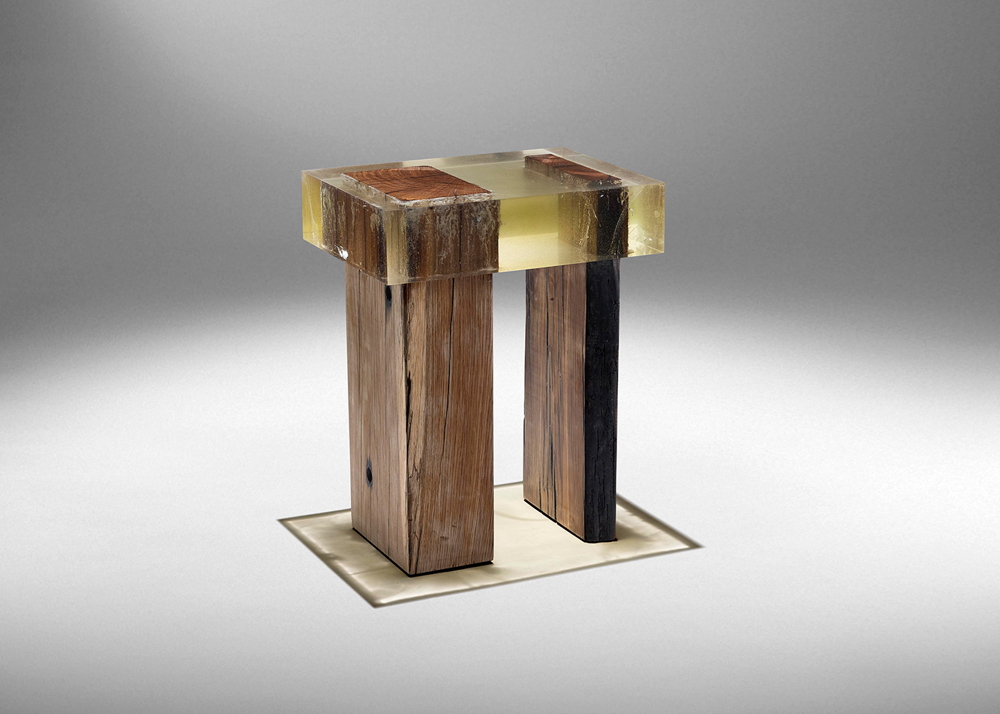 StudioNucleo_WoodFossil-Stool_low_1400