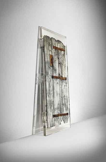 StudioNucleo_Souvenir_Door_front_440px
